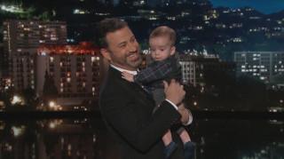Ο Τζίμι Κίμελ πήρε το γιο του στο στούντιο - και δεν απέφυγε τις συγκινήσεις