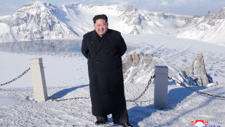 Κιμ Γιονγκ Ουν: Ο άνθρωπος που, σύμφωνα με τη Β. Κορέα, μπορεί να ελέγξει τη φύση (pics)