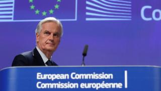 Μπαρνιέ: Αποκλείεται να υπάρξει εμπορική συμφωνία πριν το Brexit