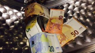 Για ξέπλυμα χρήματος ελέγχονται 1.807 φορολογούμενοι με χρέη 3,1 δισ. ευρώ