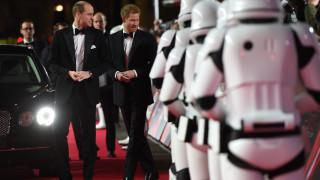 Πρεμιέρα Star Wars: Η αυτοκρατορία αντεπιτίθεται παρουσία... γαλαζοαίματων