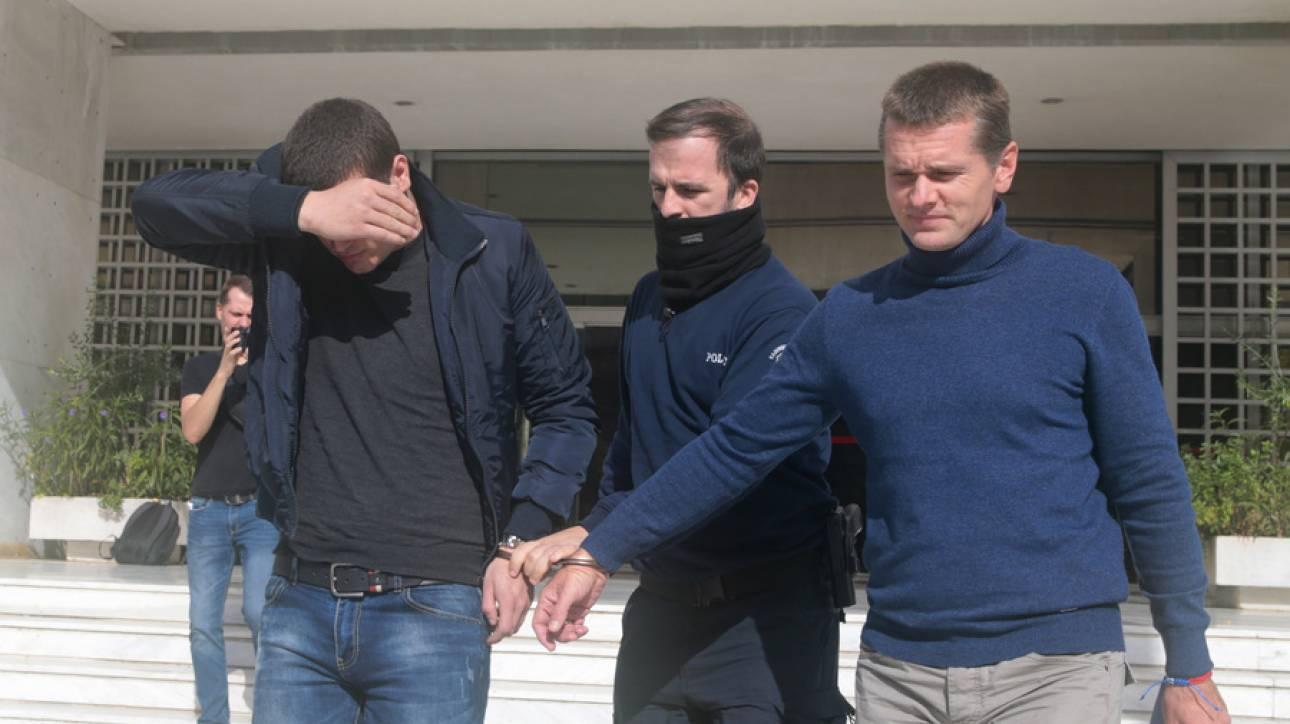Ρωσική πρεσβεία Αθήνας: Θα διασφαλίσουμε τα νομικά δικαιώματα του Βίνικ