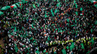 Χιλιάδες Παλαιστίνιοι στους δρόμους για την 30η επέτειο από την ίδρυση της Χαμάς (pics)
