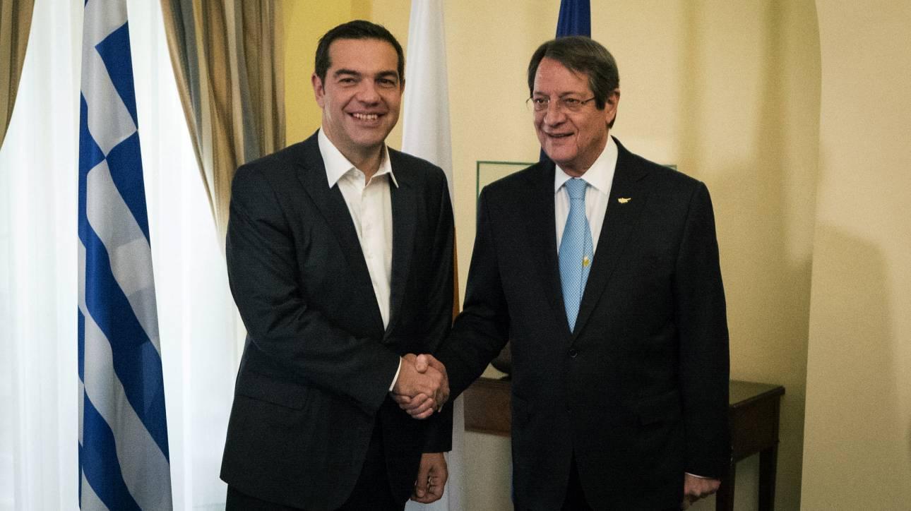 Συνάντηση Τσίπρα-Αναστασιάδη με θέμα την επίσκεψη Ερντογάν στην Αθήνα