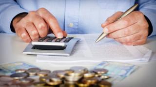 Εφορία: Παρατείνεται έως το 2020 η χρέωση τόκων με τον μήνα