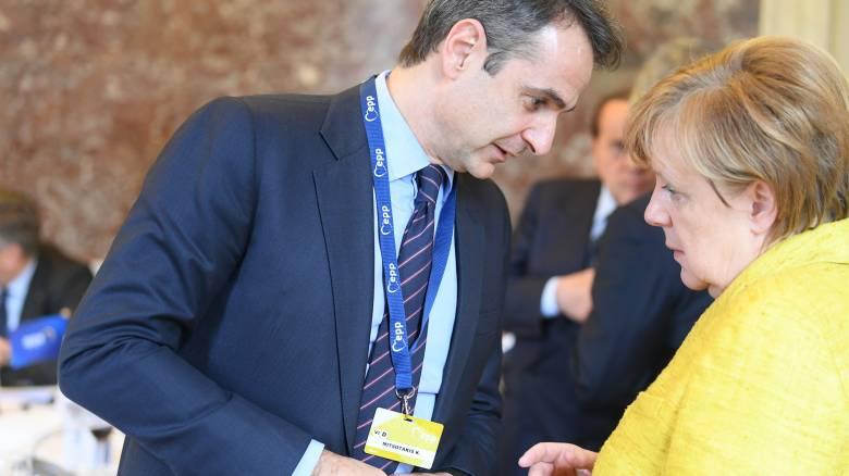 Συνάντηση Μητσοτάκη με Μέρκελ για το προσφυγικό