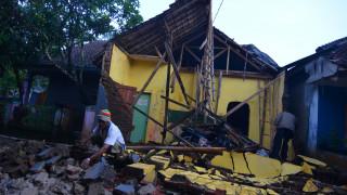 Σεισμός Ινδονησία: Νεκροί, τραυματίες και ζημιές από τα 6,5 Ρίχτερ (pics)