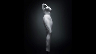 Azzedine Alaïa: αποχαιρετισμός με το κύκνειο άσμα του στο Design Museum