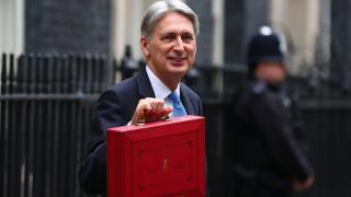 Βρετανός ΥΠΟΙΚ: Το Λονδίνο θέλει μια ειδική συμφωνία για τις εμπορικές σχέσεις με την ΕΕ