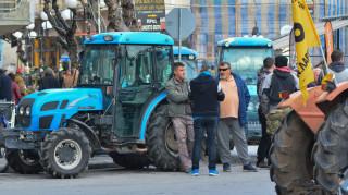 Οι αγρότες της Λάρισας «ζεσταίνουν τις μηχανές τους»