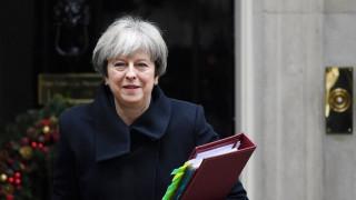 Μέι: Δεν θα ανατραπεί το πρόγραμμά μου για το Brexit