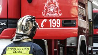 Υπό μερικό έλεγχο η φωτιά σε κτήριο στο κέντρο της Αθήνας