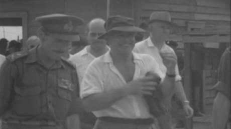 Harold Holt, ο Αυστραλός πρωθυπουργός που πήγε για κολύμπι πριν 50 χρόνια και χάθηκε για πάντα