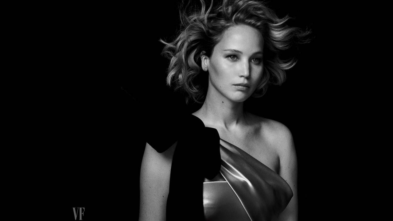 https://cdn.cnngreece.gr/media/news/2017/12/18/110078/photos/snapshot/Jennifer-Lawrence-Vanity-Fair-Holiday-2016-Photoshoot05.jpg