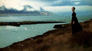 Τζένιφερ Λόρενς: φέρνει τη φόνισσα που στοίχειωσε την Ισλανδία στον κινηματογράφο