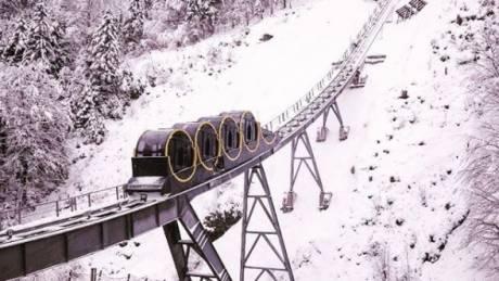 Schwyz-Stoos-Bahn, το πιο απότομο τελεφερίκ στον κόσμο βρίσκεται στην Ελβετία