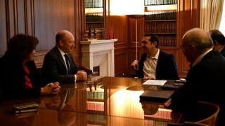 Συνάντηση Τσίπρα με τον διευθύνοντα σύμβουλο της Deutsche Bank