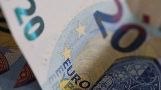 Τι πρέπει να κάνετε για να λάβετε το έκτακτο επίδομα «νεανικής αλληλεγγύης» των 400 ευρώ