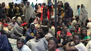 Λιβύη: Μέχρι 10.000 πρόσφυγες θα απομακρυνθούν από τη χώρα το 2018