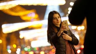 Επίσημα ψυχική διαταραχή η εμμονή με τις selfies