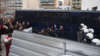 Ένταση έξω από το Ειρηνοδικείο Αθηνών