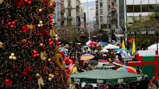 Εορταστικό ωράριο: Ανοιχτά ακόμη δύο Κυριακές τα καταστήματα