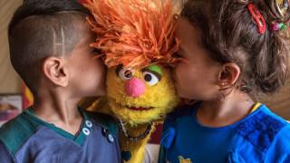 Sesame Street: Σουσάμι Άνοιξε στη Μέση Ανατολή για τα παιδιά του πολέμου