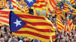 Καταλονία: Το ευρώ υποχωρεί ελαφρά στις αγορές μετά το αποτέλεσμα των εκλογών