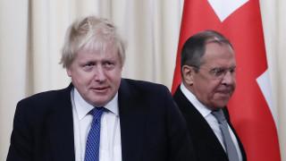 Συνάντηση Λαβρόφ - Τζόνσον στη Μόσχα με πολλές «αιχμές» (pics)