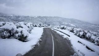 Σοβαρά προβλήματα από την επέλαση του χιονιά σε διάφορες περιοχές της χώρας (pics&vid)