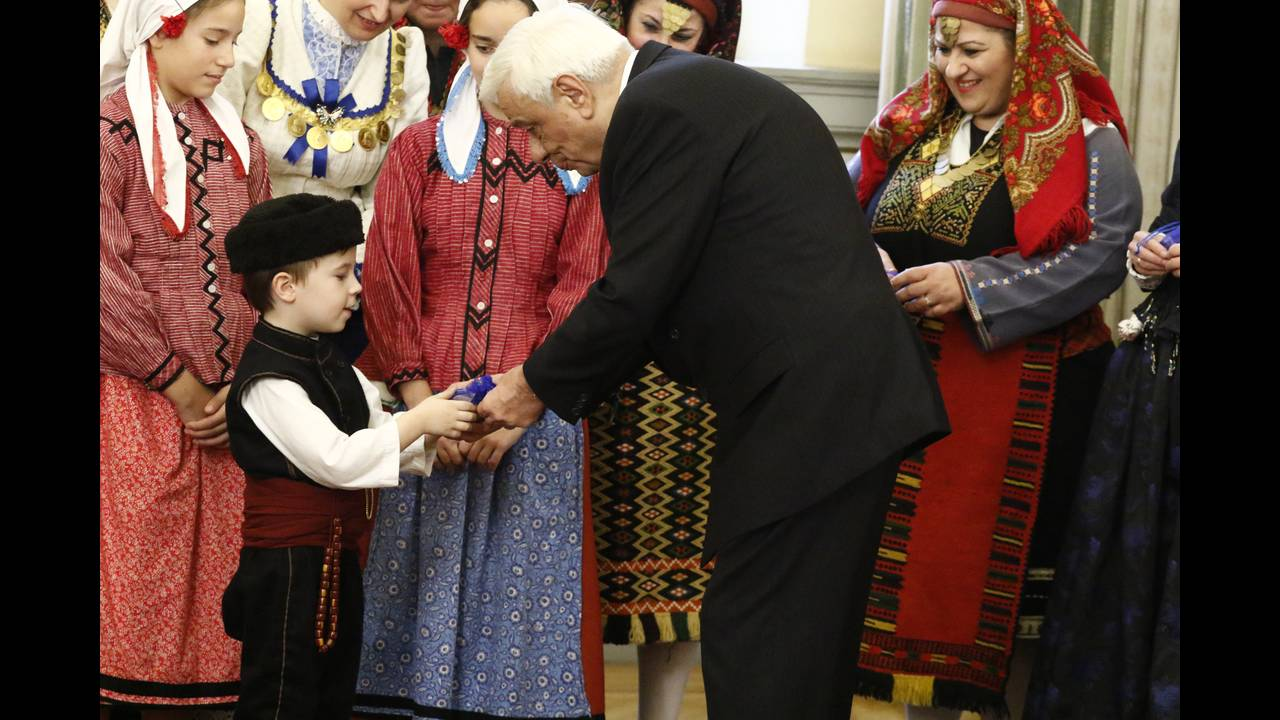 https://cdn.cnngreece.gr/media/news/2017/12/23/110843/photos/snapshot/4329637.jpg