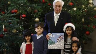 Προκόπης Παυλόπουλος: Άκουσε τα χριστουγεννιάτικα κάλαντα στέλνοντας πολιτικά μηνύματα (pics)