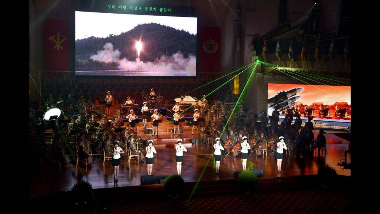 https://cdn.cnngreece.gr/media/news/2017/12/24/110901/photos/snapshot/korea2.jpg