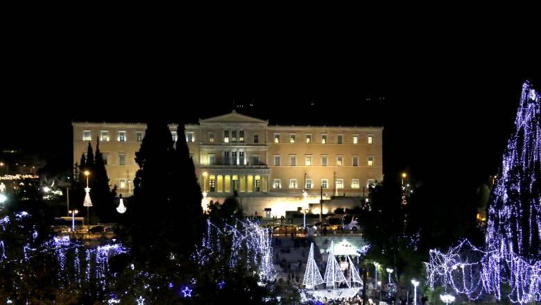 Έξι πολιτικοί διηγούνται αναμνήσεις Χριστουγέννων