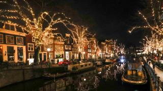 Πατινάζ, βόλτες με ποδήλατα και σόου πυροτεχνημάτων στο γιορτινό Άμστερνταμ
