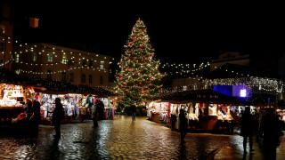 Γιορτινές εικόνες από τα Χριστούγεννα σε όλο τον κόσμο