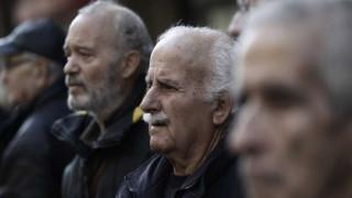 Σύνταξη 480 ευρώ θα παίρνει 1 στους 2 συνταξιούχους το 2021