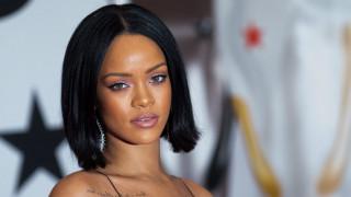 Σοκαρισμένη από την εν ψυχρώ δολοφονία συγγενή της η Rihanna
