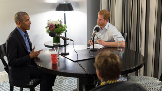 Γουίλιαμ ή Χάρι; Ρέιτσελ ή Μόνικα; Τσίχλα ή τσιγάρο; Ο Χάρι «ανακρίνει» τον Μπαράκ Ομπάμα