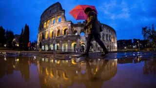 Η Ρώμη έγινε... Βενετία - Σφοδρό κύμα κακοκαιρίας σαρώνει την Ιταλία  (pics)