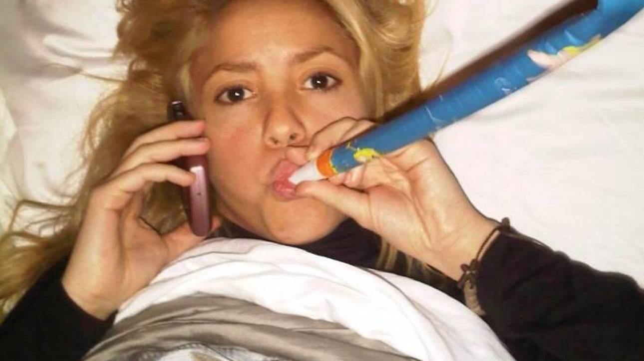 Shakira: αναβάλλει την περιοδεία της λόγω υγείας -ποιο είναι το πρόβλημα