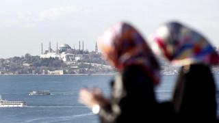 DW: Πώς οι πλούσιοι Τούρκοι «εξαγοράζουν» την είσοδό τους στην ΕΕ