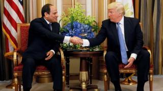 Τη συμπαράστασή του εξέφρασε ο Τραμπ στον Σίσι μετά την τρομοκρατική επίθεση στο Κάιρο