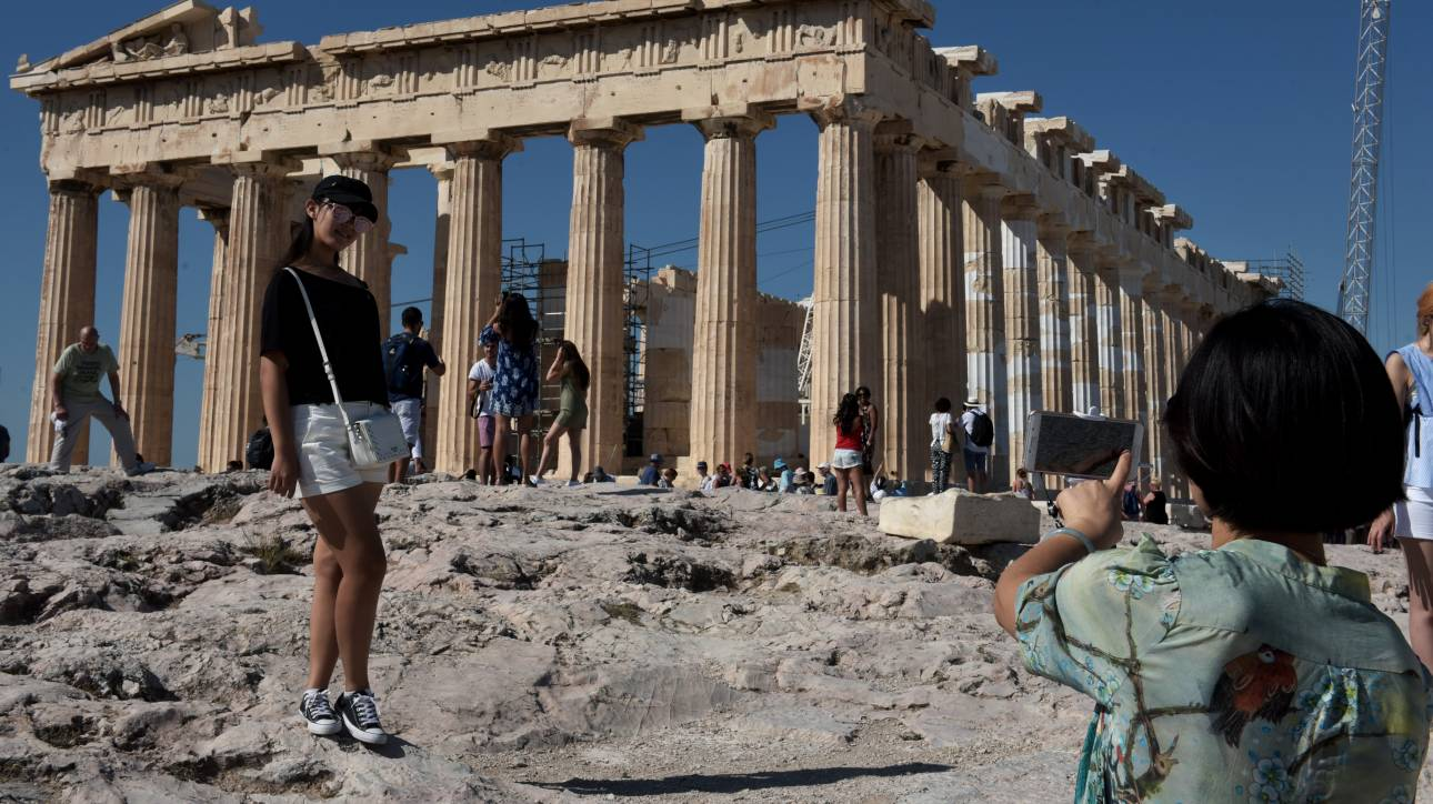 DW: «Χρυσή» χρονιά για τον ελληνικό τουρισμό