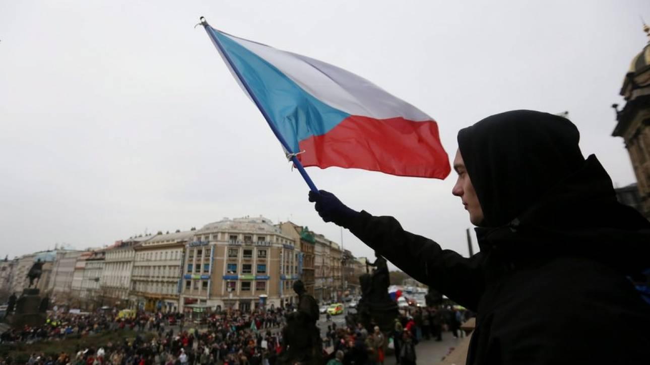 Σαν σήμερα, πριν 25 χρόνια διαλύθηκε η Τσεχοσλοβακία