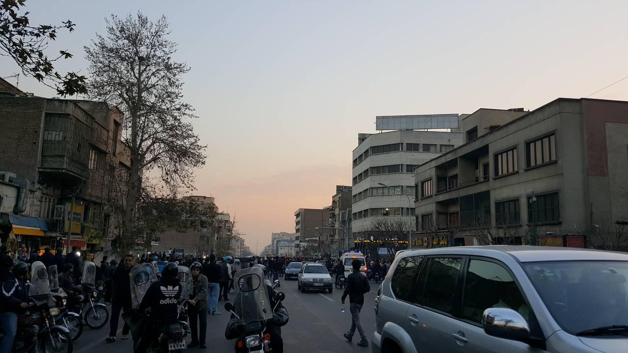 https://cdn.cnngreece.gr/media/news/2018/01/01/111847/photos/snapshot/iran3.jpg