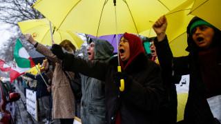 Οργισμένες διαδηλώσεις με 12 νεκρούς στο Ιράν