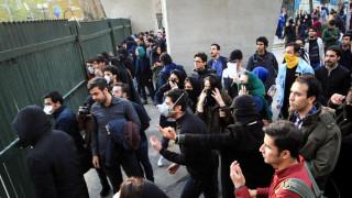 Ε.Ε: Ελπίζουμε πως είναι εγγυημένο το δικαίωμα των Ιρανών να διαδηλώνουν