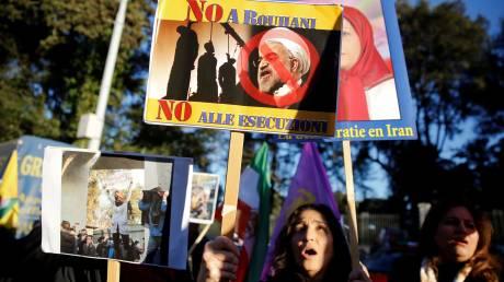 Τα οικονομικά δεινά που πυροδοτούν τις διαμαρτυρίες στο Ιράν