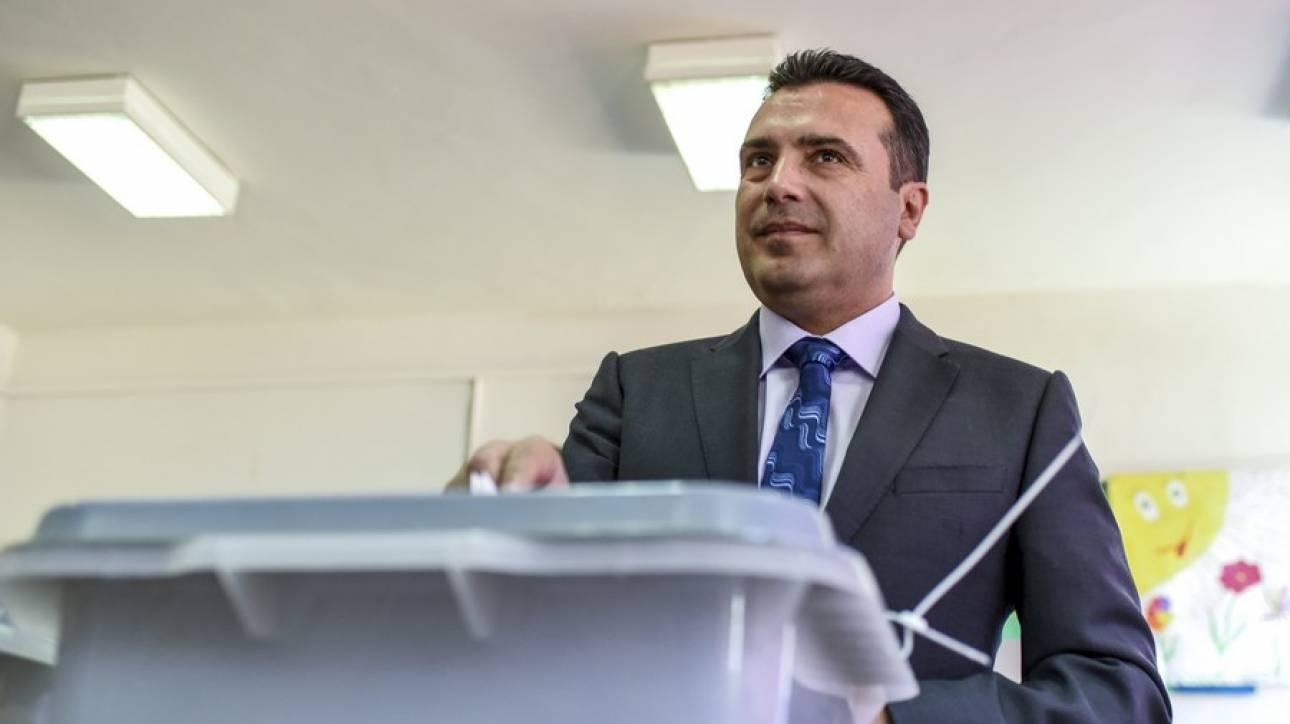 Ζάεφ: Είμαστε έτοιμοι για λύση στο θέμα του ονόματος - Τηλεφωνική επικοινωνία με Τσίπρα